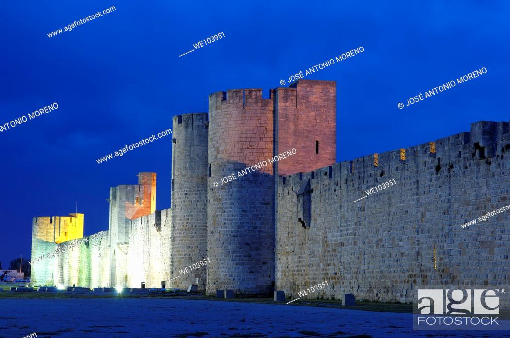 Stock Photo: City walls at dusk, Aigues-Mortes, Petite Camargue, Gard, Languedoc-Roussillon, France.