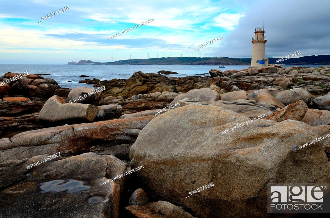 Imagen: Lighthouse of Muxia, A Coruña, Spain.