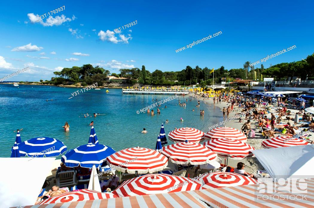 Stock Photo: Europe, France, Alpes-Maritimes, 06, Antibes. Cap d'Antibes. The private beach La Garoupe.