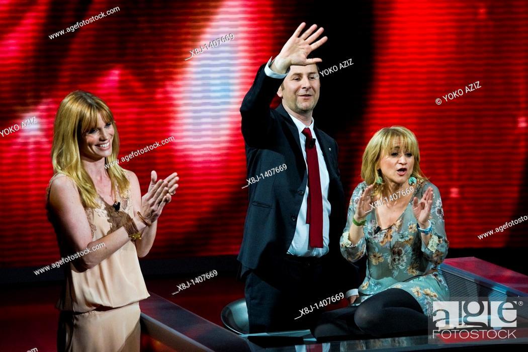 Imagen: 17 04 2011, Milan  'Che tempo che fa' telecast RAI 3  Luciana Littizzetto, Filippa Lagerback and Fabio Fazio.
