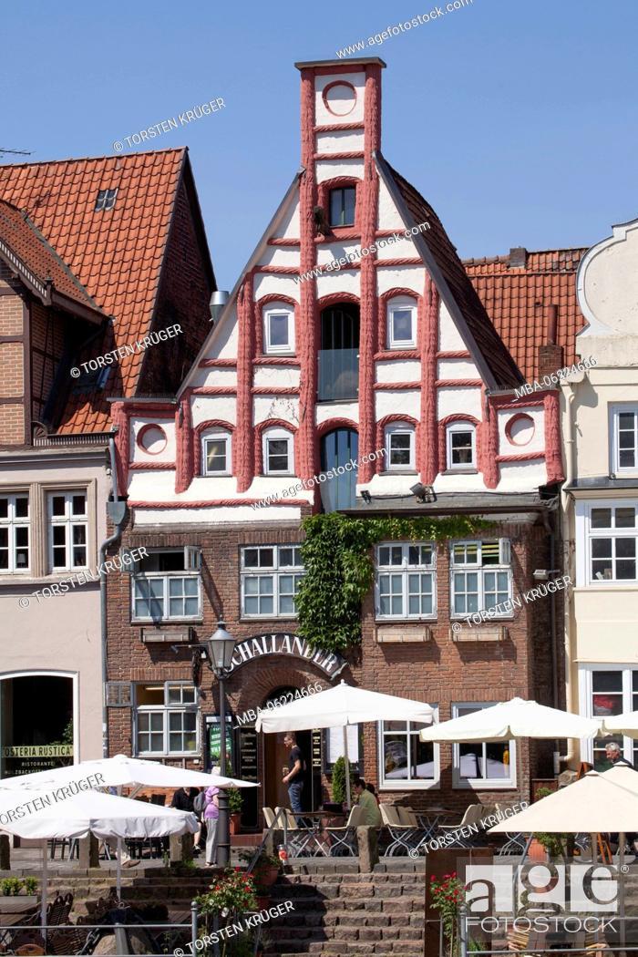 Stock Photo: Historic house facade at 'Stintmarkt', River Ilmenau , Old Town, Lüneburg, Lower Saxony, Germany, Europe.