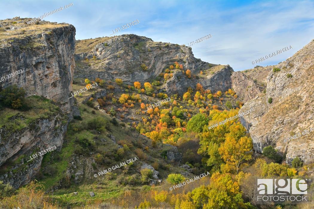 Stock Photo: Autumn in the Parque natural del Barranco del Río Dulce, guadalajara province, Castile-La Mancha, Spain.