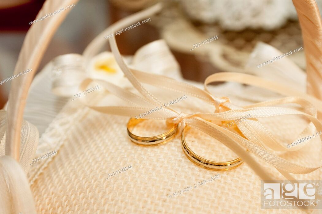 Stock Photo: Wedding rings.
