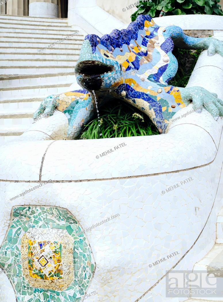 Imagen: Lizard fountain in Parc Guell, Barcelona, Catalonia, Spain, Europe.