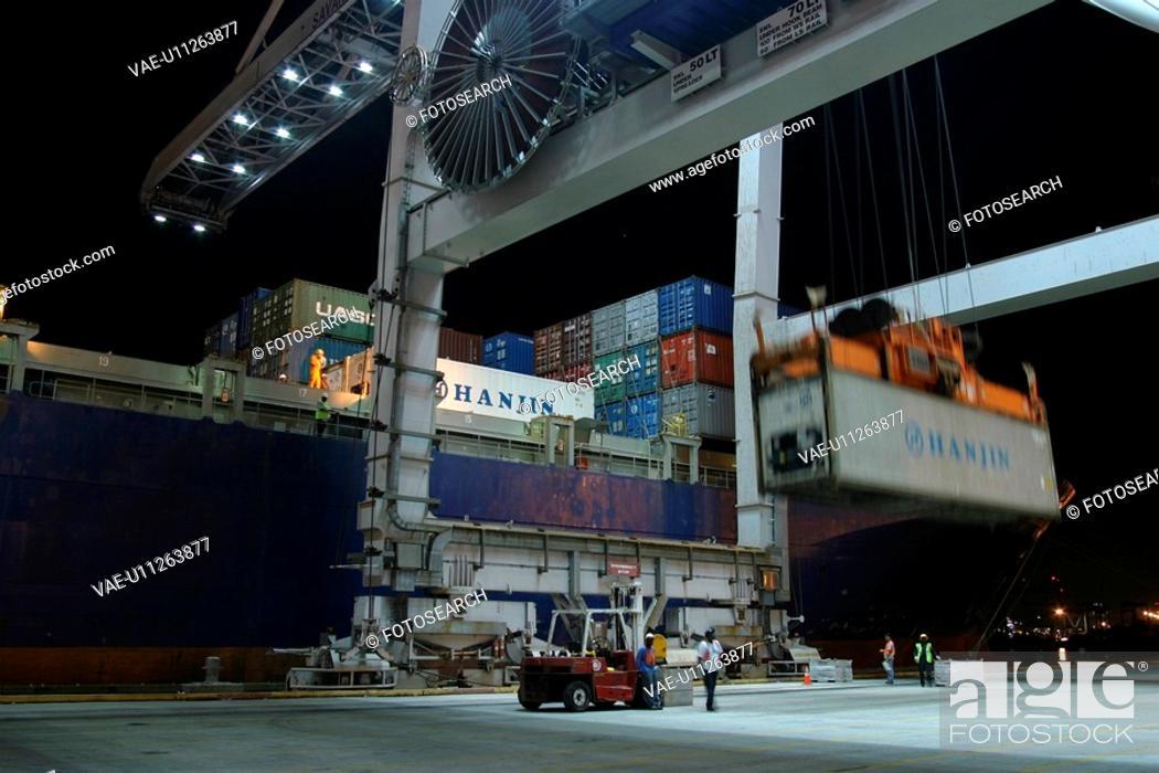 Stock Photo: flag, machine, crane, loading, pulling, lifting.