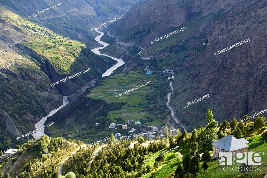 Imagen: View from Shashur Gompa, Lahaul Valley, Keylong, Himachal Pradesh, India.