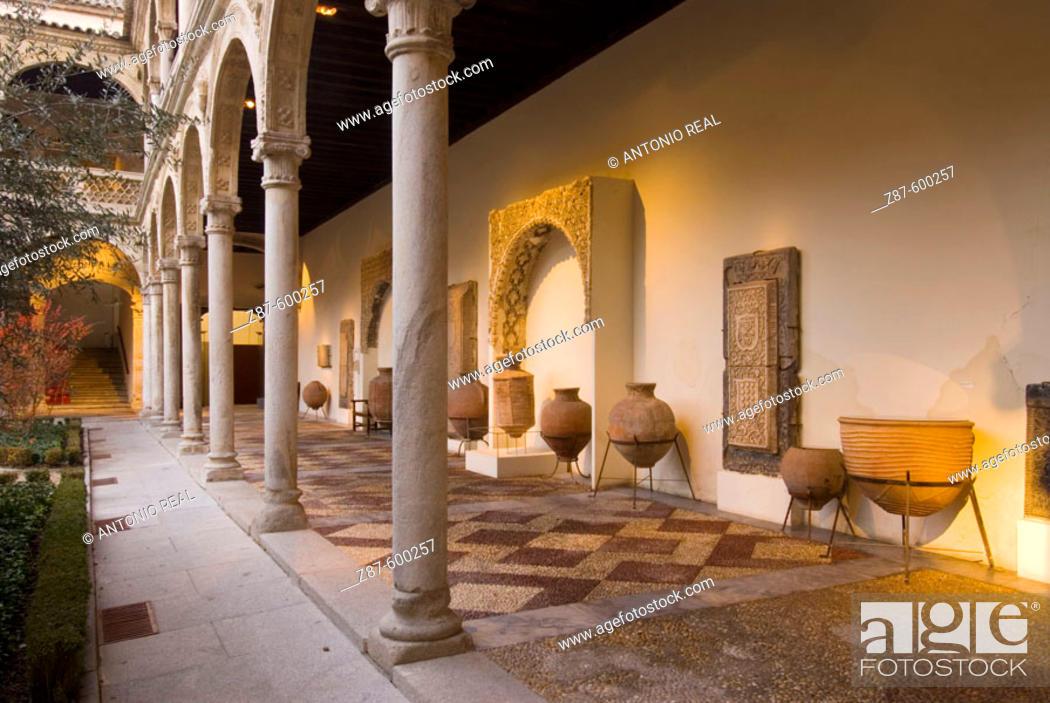 Museo De Santa Cruz.Cloister At Museo De Santa Cruz Toledo Ruta De Don Quijote Stock