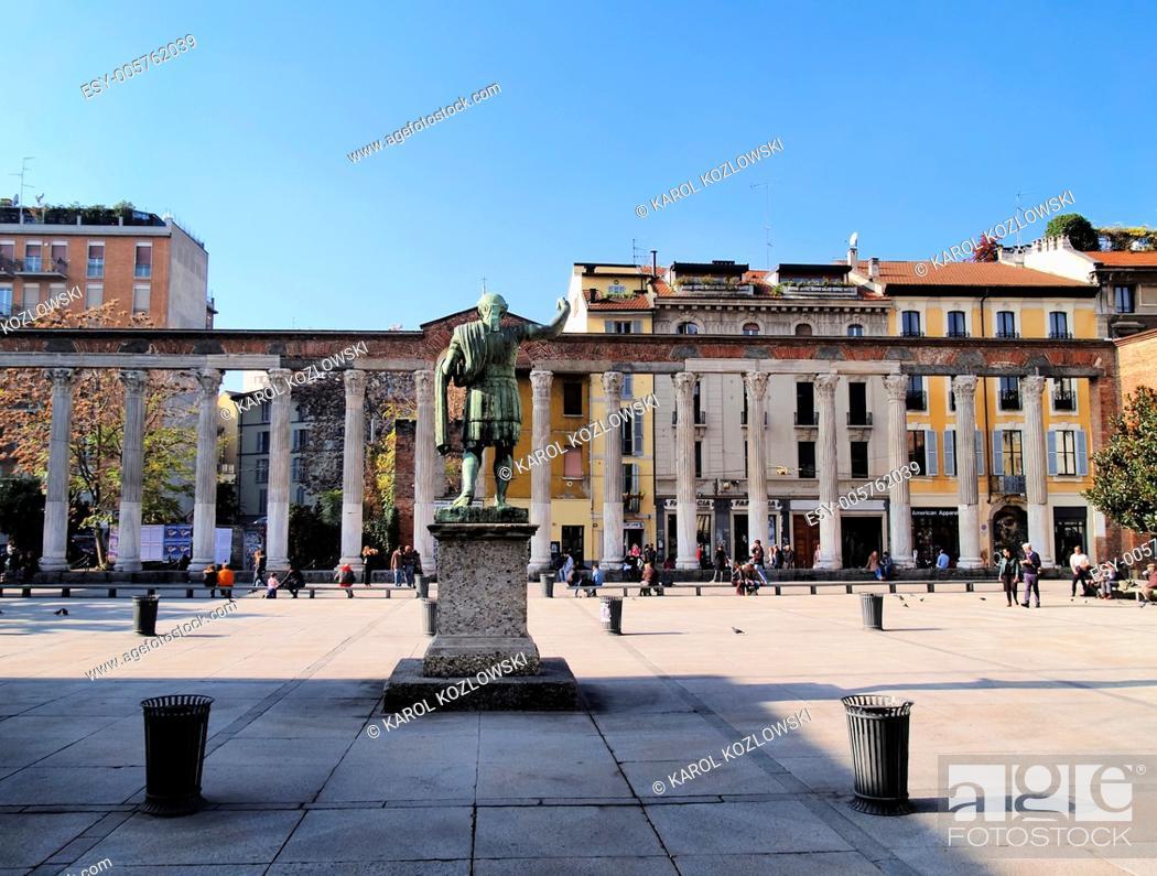 Photo de stock: Colonne di San Lorenzo - famous ancient landmark in Milan, Lombardy, Italy.