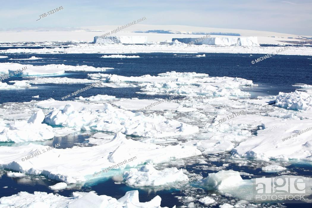Stock Photo: Icebergs and bergy bits floating in the Weddell Sea in and around the Antarctic Peninsula during the summer months.