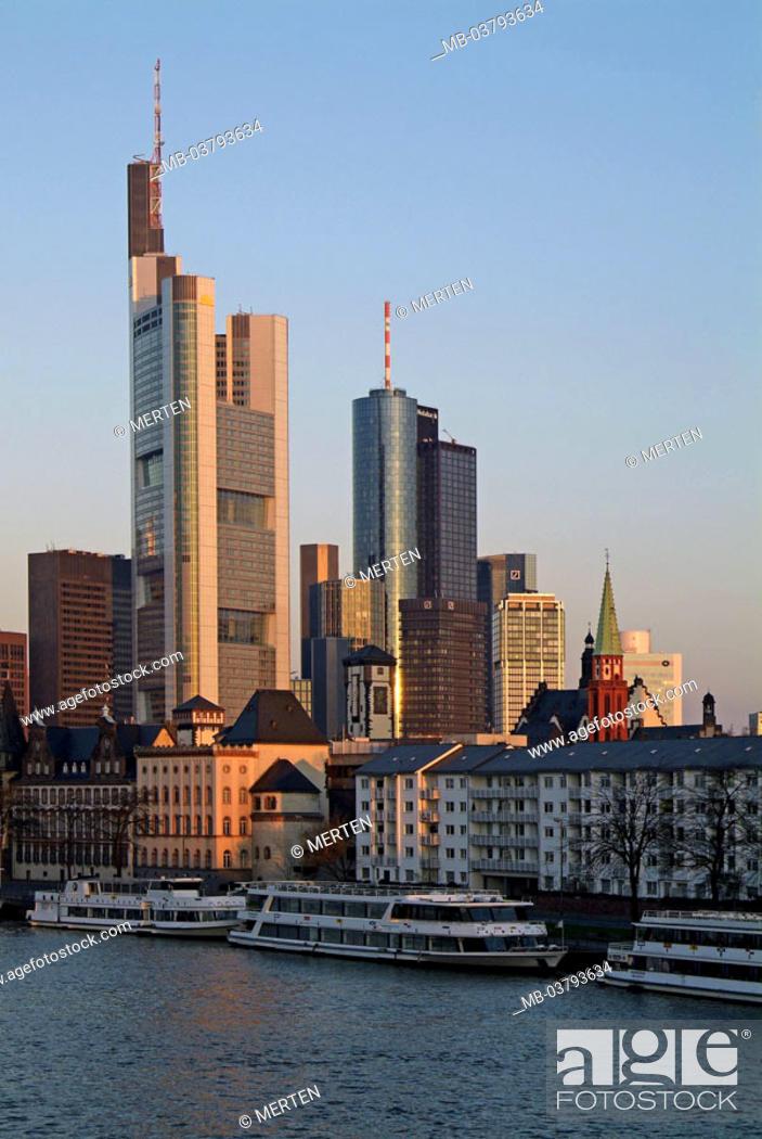 Stock Photo: Germany, Hesse, Frankfurt on the Main, view at the city, bank quarter, landing place,  pleasure boat, twilight, Series, Europe, city, metropolis.