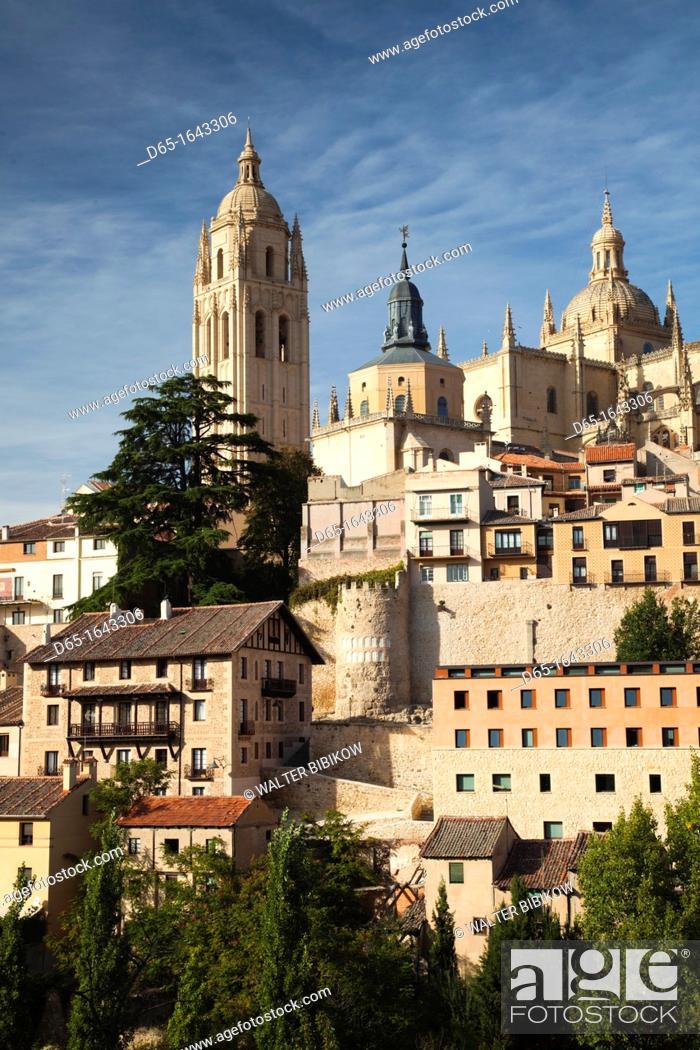 Stock Photo: Spain, Castilla y Leon Region, Segovia Province, Segovia, town view with Segovia Cathedral.