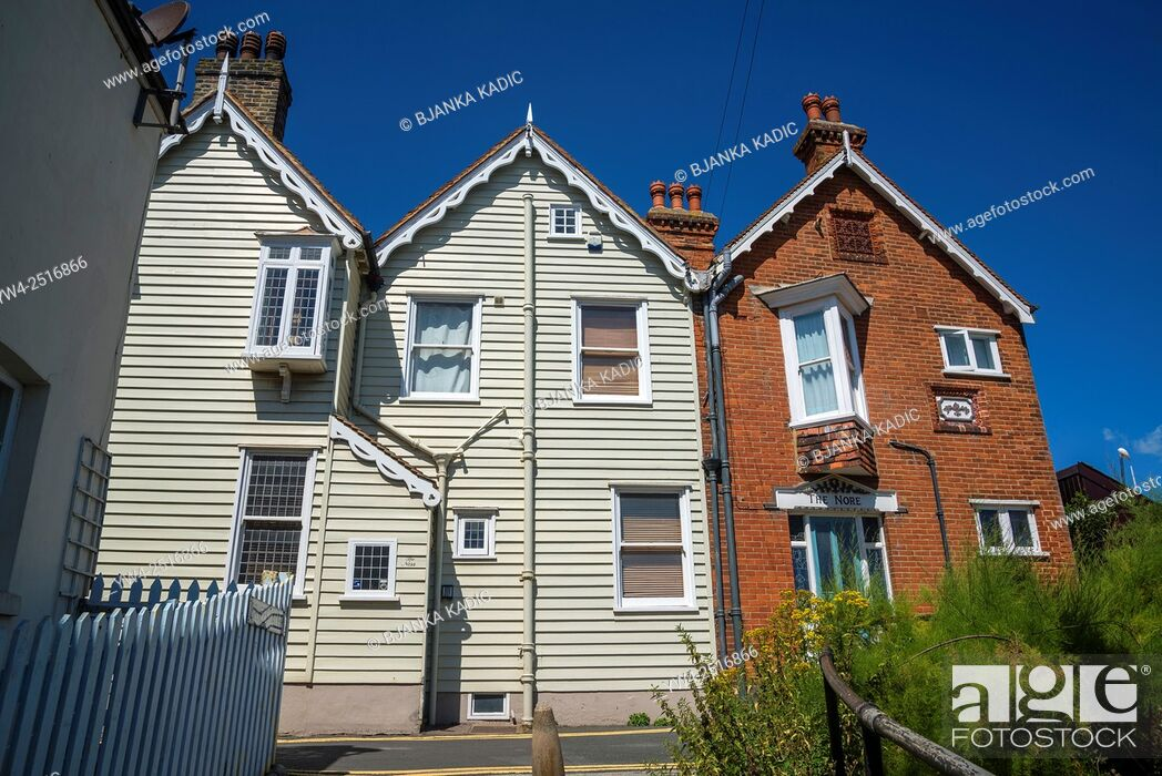Photo de stock: Picturesque houses, Sea Street, Whitstable, Kent, England, UK.