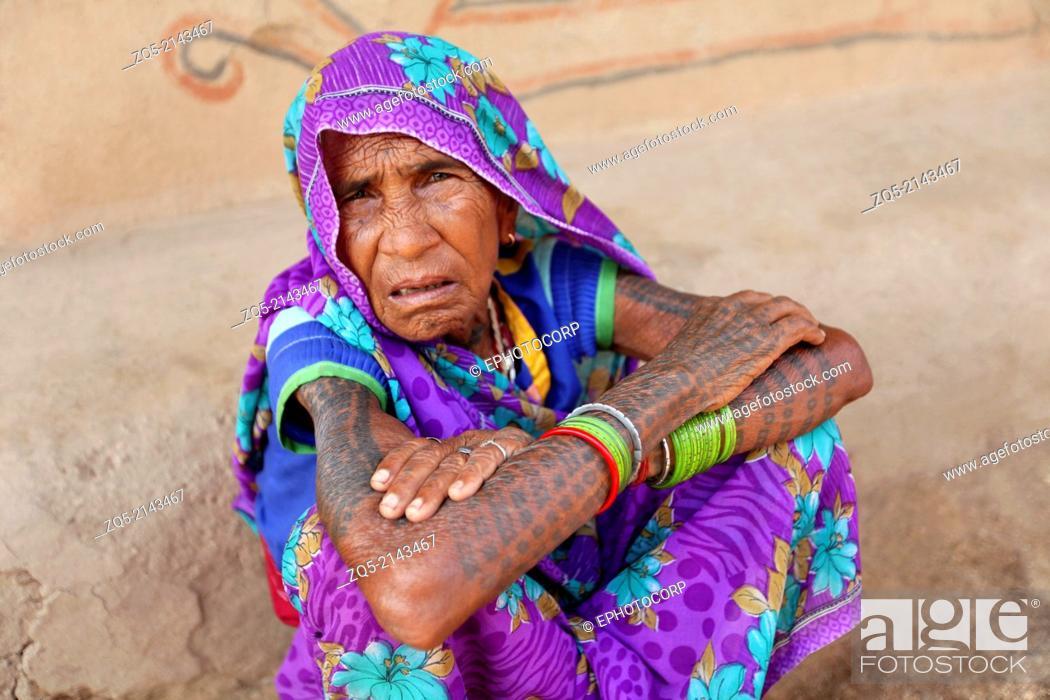 Portrait of old woman  Kurmi caste  Hardhekitand village