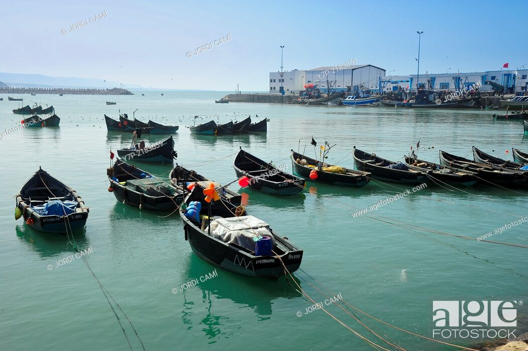 Imagen: Sidi Ifni harbor. Morocco .North Africa.