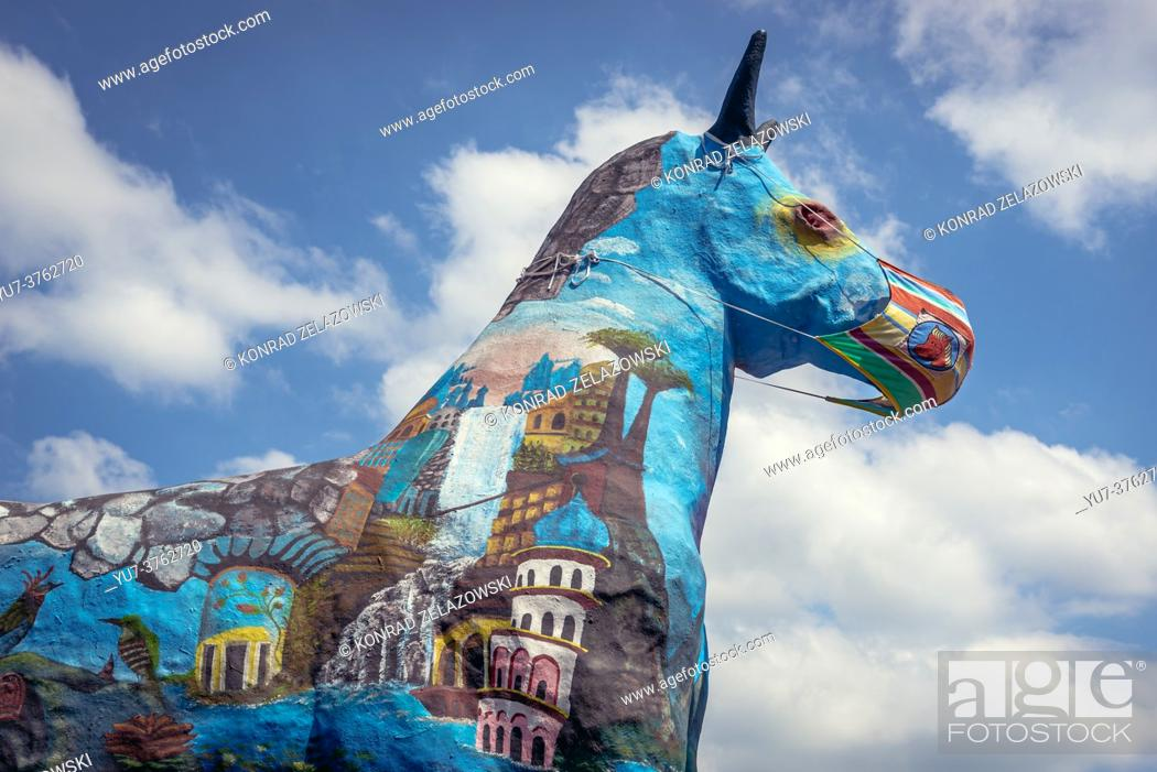 Photo de stock: Mare statue in front of Municipal Cultural Center in Kobylka town outside of the city of Warsaw, near Wolomin in the Masovian Voivodeship, Poland.