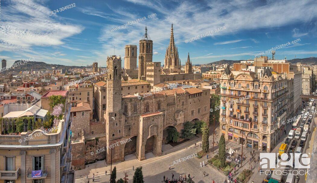 Stock Photo: Barcelona Cathedral, Barcelona City, Ciutat Vella, Gotic district, skyline, spain.