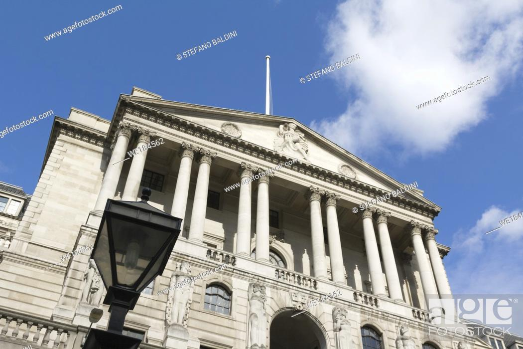 Imagen: Bank of England building in City of London, England.