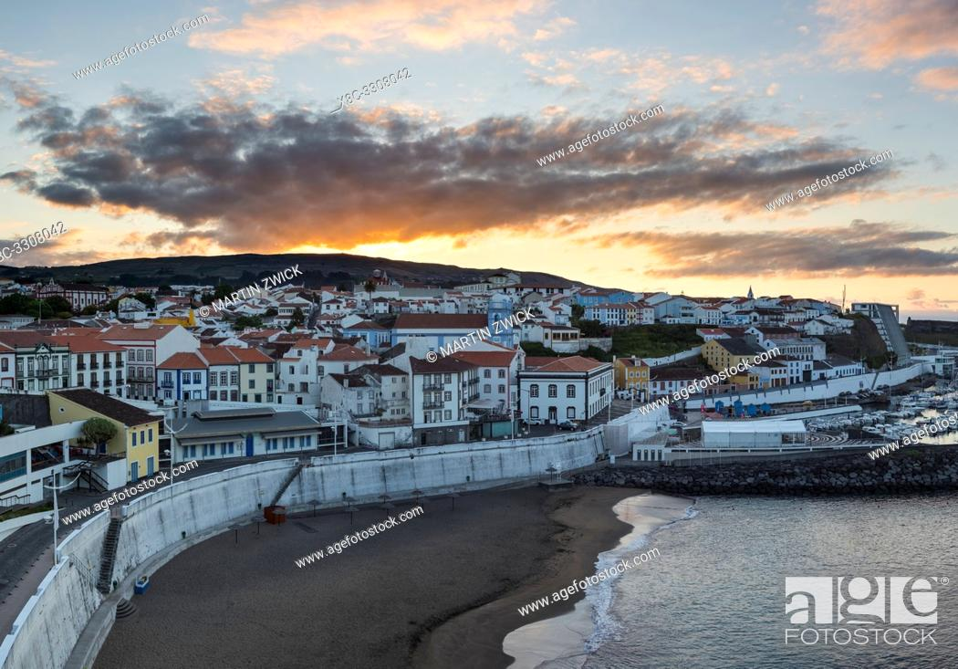 Imagen: Cityscape. Capital Angra do Heroismo, the historic center is part of UNESCO world heritage. Island Ilhas Terceira, part of the Azores (Ilhas dos Acores) in the.