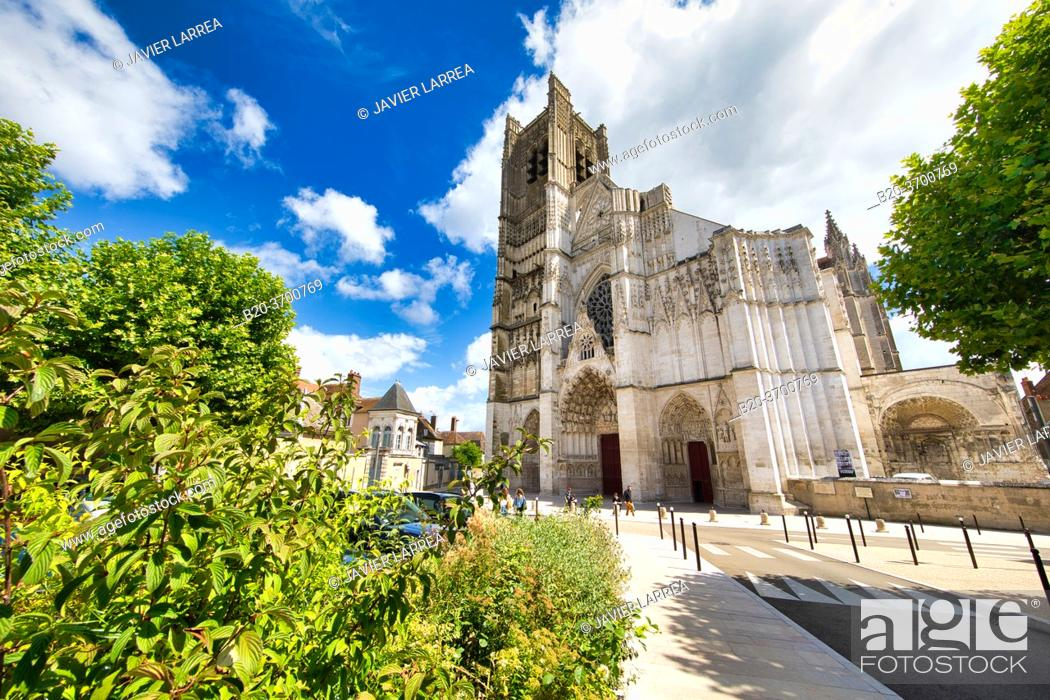 Stock Photo: Cathedrale Saint-Etienne, Auxerre, Yonne, Burgundy, Bourgogne, France, Europe.