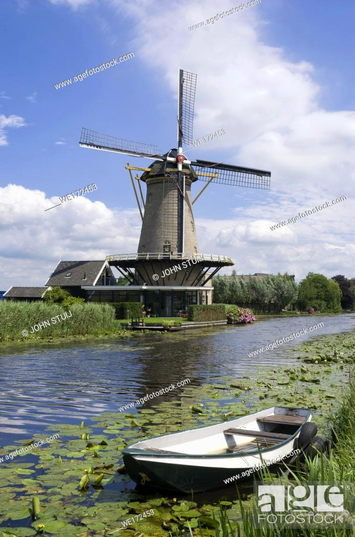 Stock Photo: Mill the Friendship near Bleskensgraaf in the Dutch region Alblasserwaard.