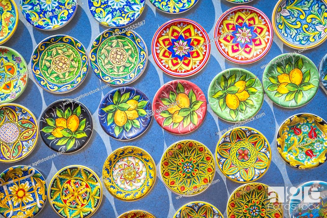 Imagen: Souvenir from Sicily: fridge magnets with colourful design. Useful for background.