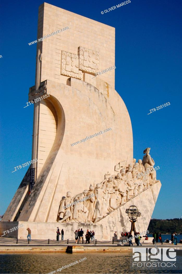 Imagen: Monument to the Discoveries, located on the estuary of the Tagus River in Lisbon, Portugal, The Monument to the Discoveries in Portuguese: 'Monumento aos.