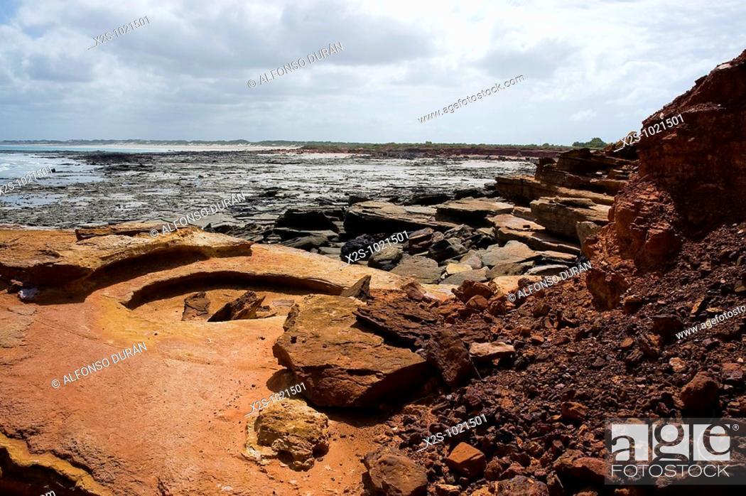 Stock Photo: Rocks, Cable Beach, Broome, Western Australia, Australia.
