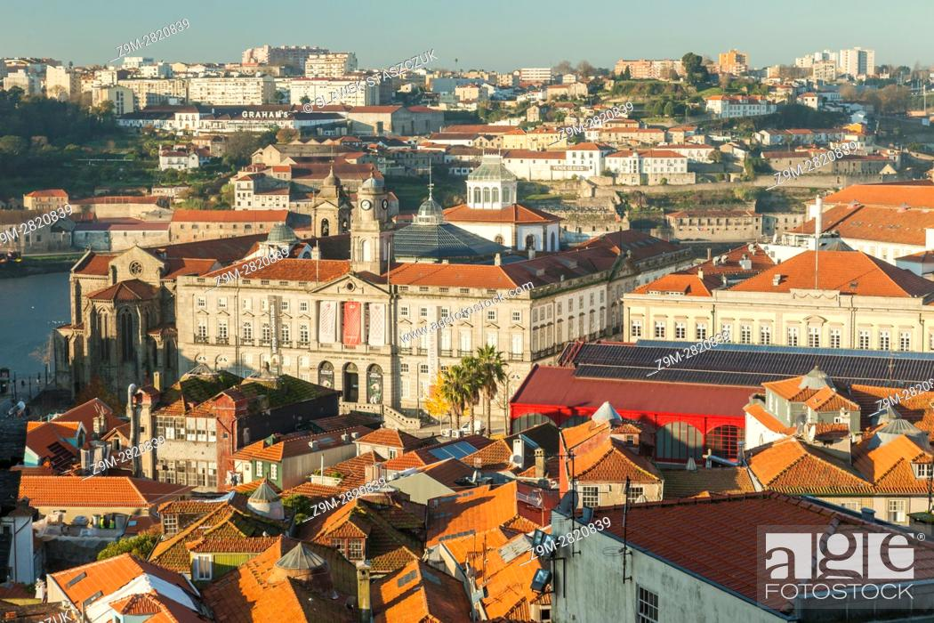 Stock Photo: Autumn morning in Port old town, Portugal.