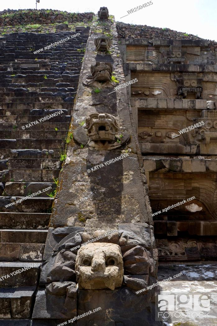 Stock Photo: Ruins of a building, Teotihuacan, Mexico City, Mexico.