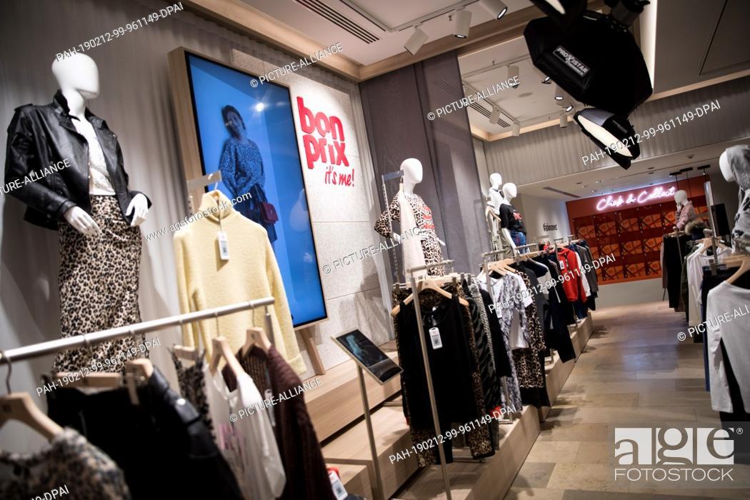 04 February 2019, Hamburg: Garments hang on hangers in the