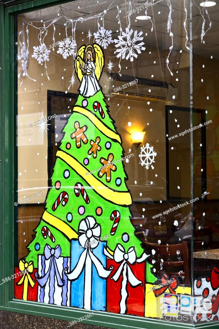 Imagen: Painted Holiday Decorations on a NYC Restaurant Window.