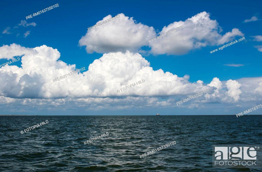 Stock Photo: Sailing at Jade Bight, Friesland district, Lower Saxony, North Sea, Germany, June 2016 / Segeln im Jadebusen, Landkreis Friesland, Niedersachsen, Nordsee.