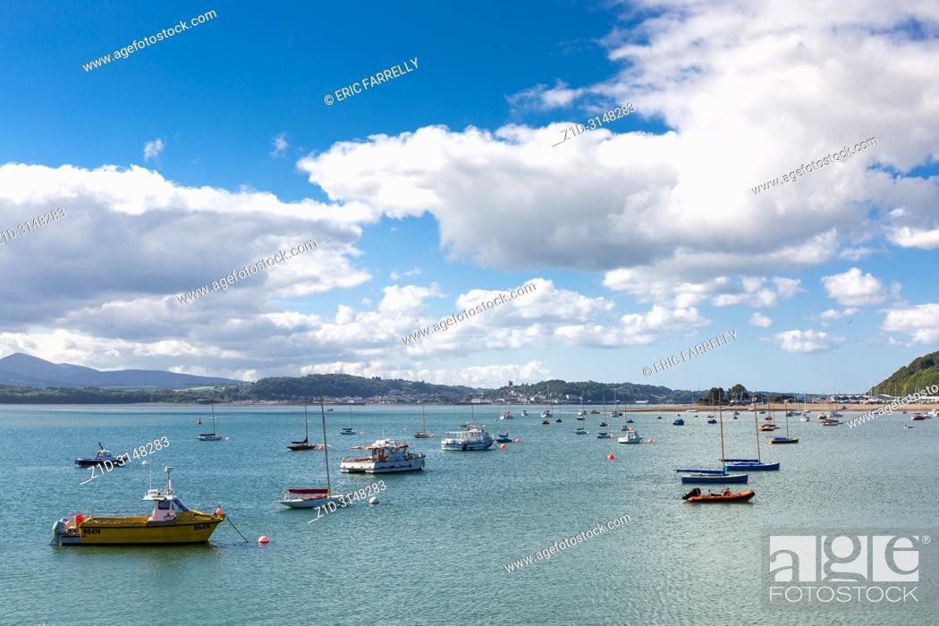 Imagen: Waterfront at Beaumaris Anglesey North Wales UK.