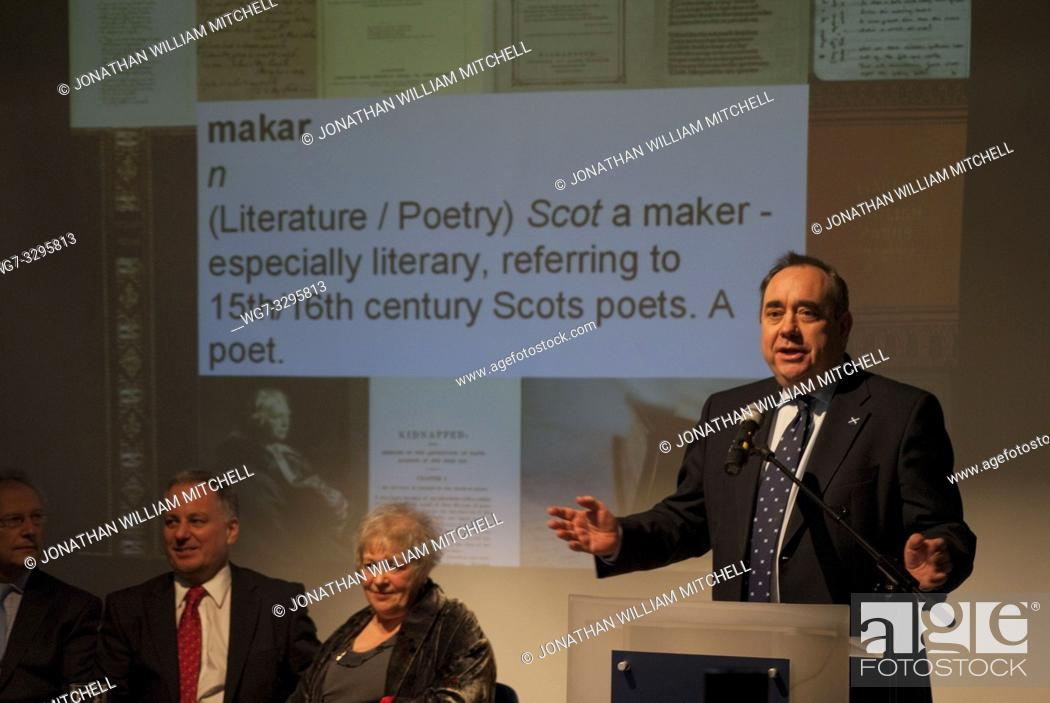 Imagen: UK SCOTLAND Edinburgh -- 19 Jan 2011 -- Liz Lochhead - the new Makar (National Poet) pictured at a press conference to announce her appointment attended by.