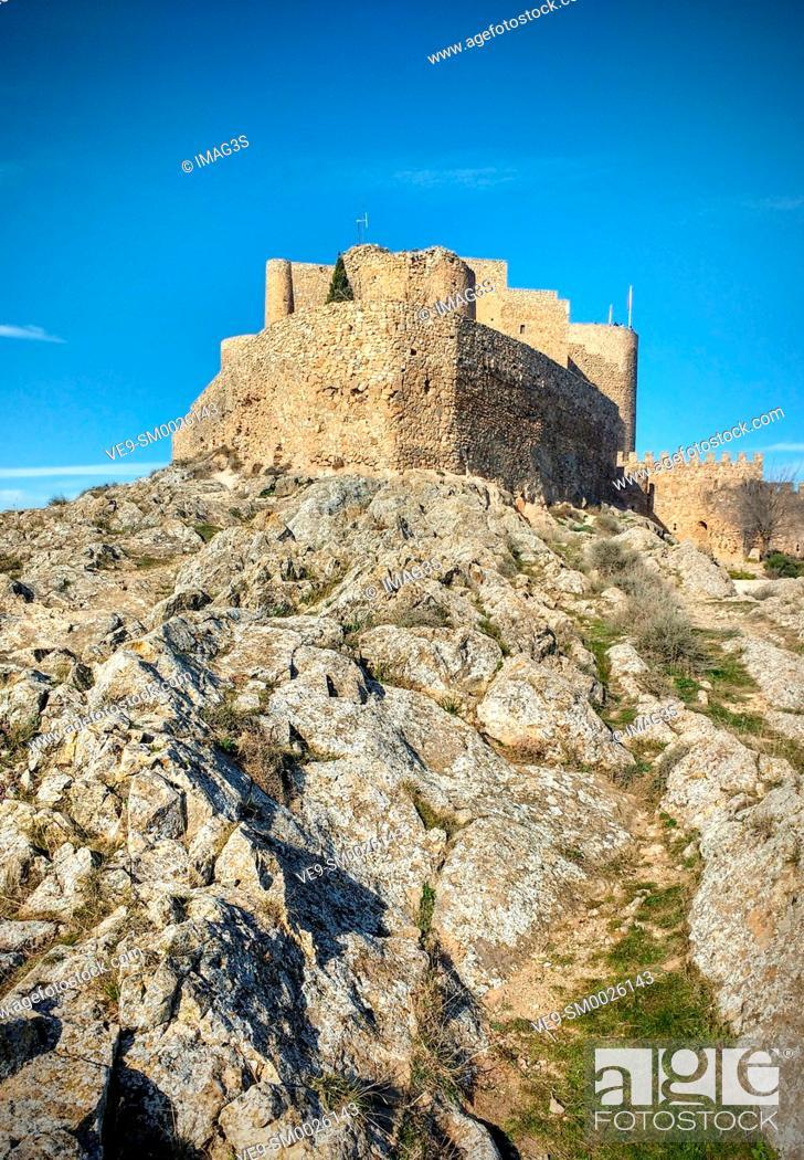 Imagen: Castle of the Knights of St. John of Jerusalem, Consuegra, Toledo province, Route of Don Quixote, Castilla-La Mancha, Spain, Europe.