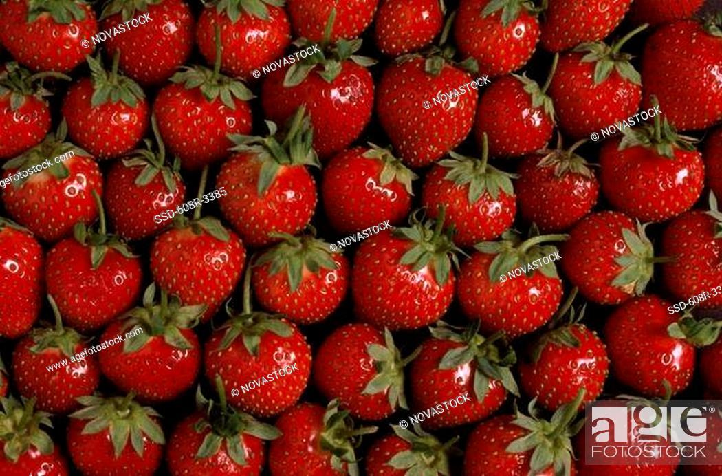 Imagen: Close-up of strawberries.