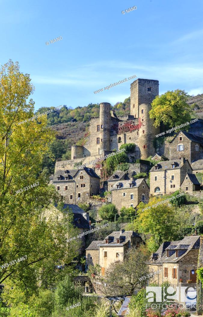 Stock Photo: France, Aveyron, Belcastel, labelled Les Plus Beaux Villages de France (The Most Beautiful Villages of France), general view of the village with the castle.