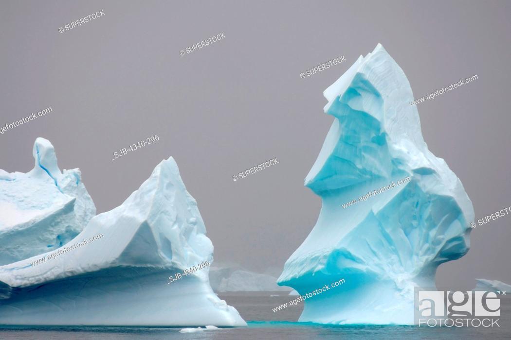 Stock Photo: Pinnacle Icebergs.