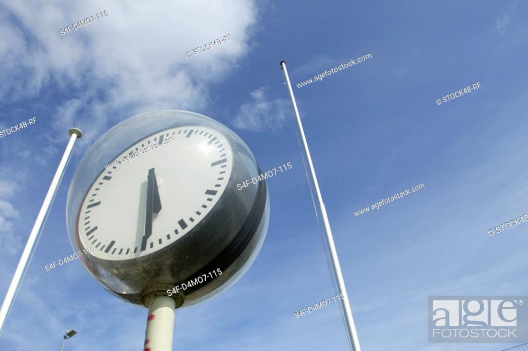 Stock Photo: Spherical clock.