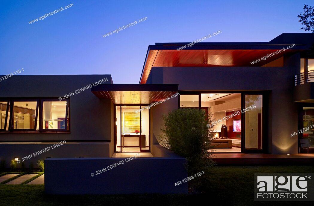 Stock Photo: Exterior dusk shot of a modern one storey house, California.