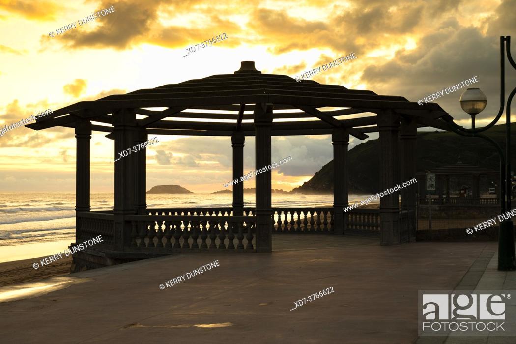 Stock Photo: Europe, Spain, Gipuzkoa, Zarautz Beach.
