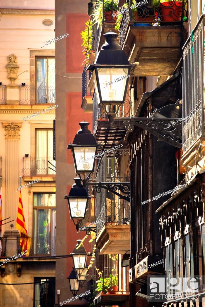 Stock Photo: Typical small street  Nr Placa del Rei, Barri Gotic, Barcelona, Catalonia, Spain.
