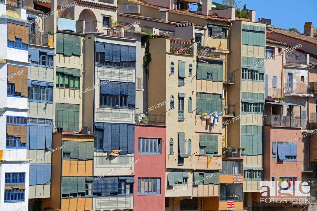 Stock Photo: Buildings on the Onyar River. City of Girona, Catalonia, Spain, Europe.