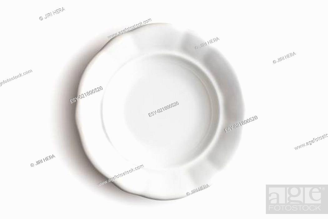 Imagen: antique ceramic plate.