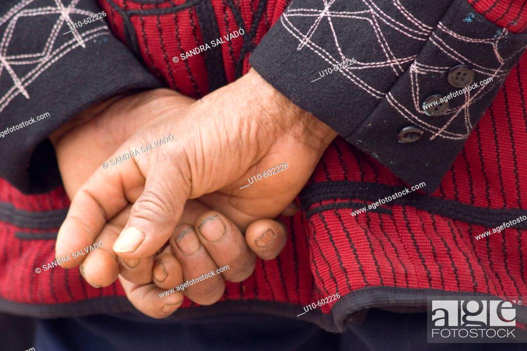 Photo de stock: Cotón, typical Ixil costume for man. Nebaj. Guatemala.