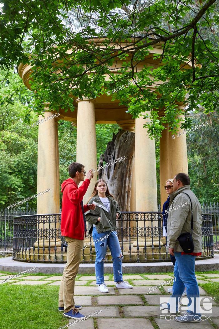 Stock Photo: Tour guide with group, Casa de Juntas de Gernika, Gernikako Batzarretxea, Bizkaia, Basque Country, Spain, Europe.