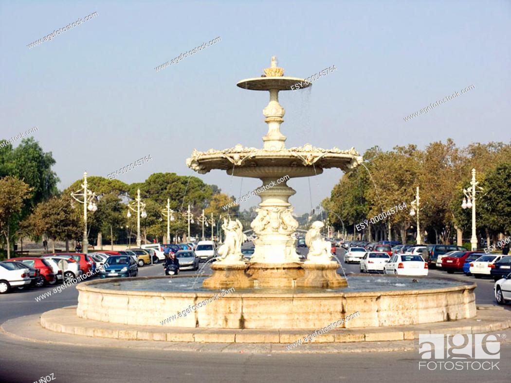 Stock Photo: Fountain in Alameda Avenue. Valencia. Spain.