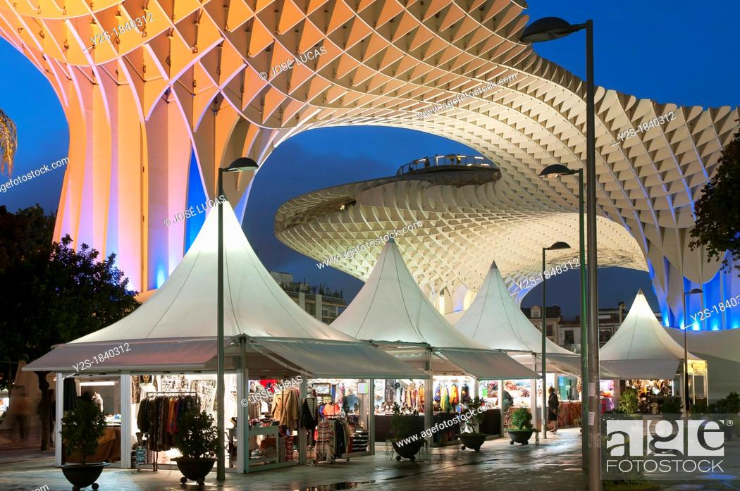 Stock Photo: Plaza de la Encarnacion, Metropol Parasol and artisan kiosks, Seville, Spain.