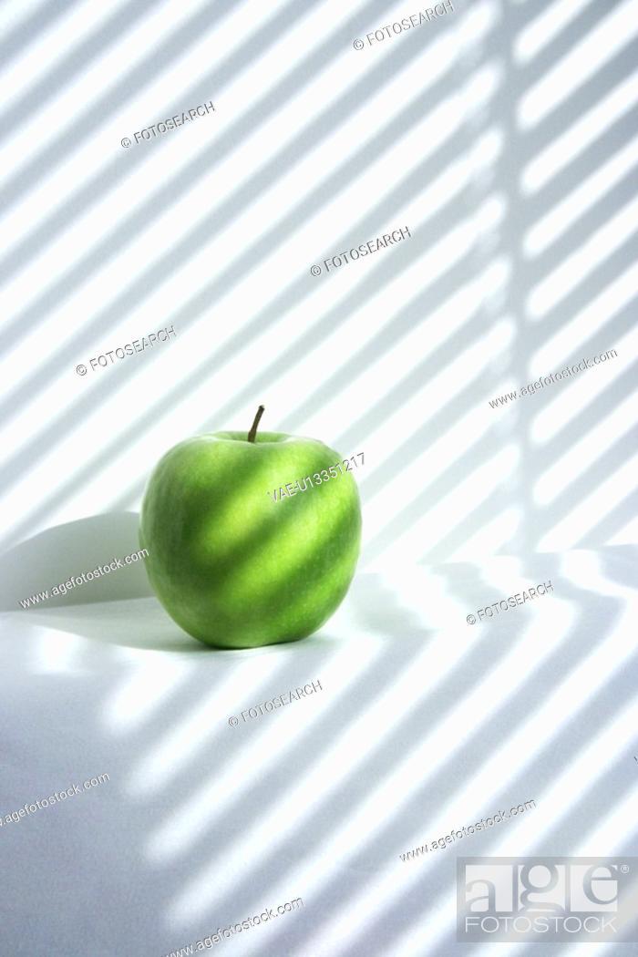 Stock Photo: green, apple.
