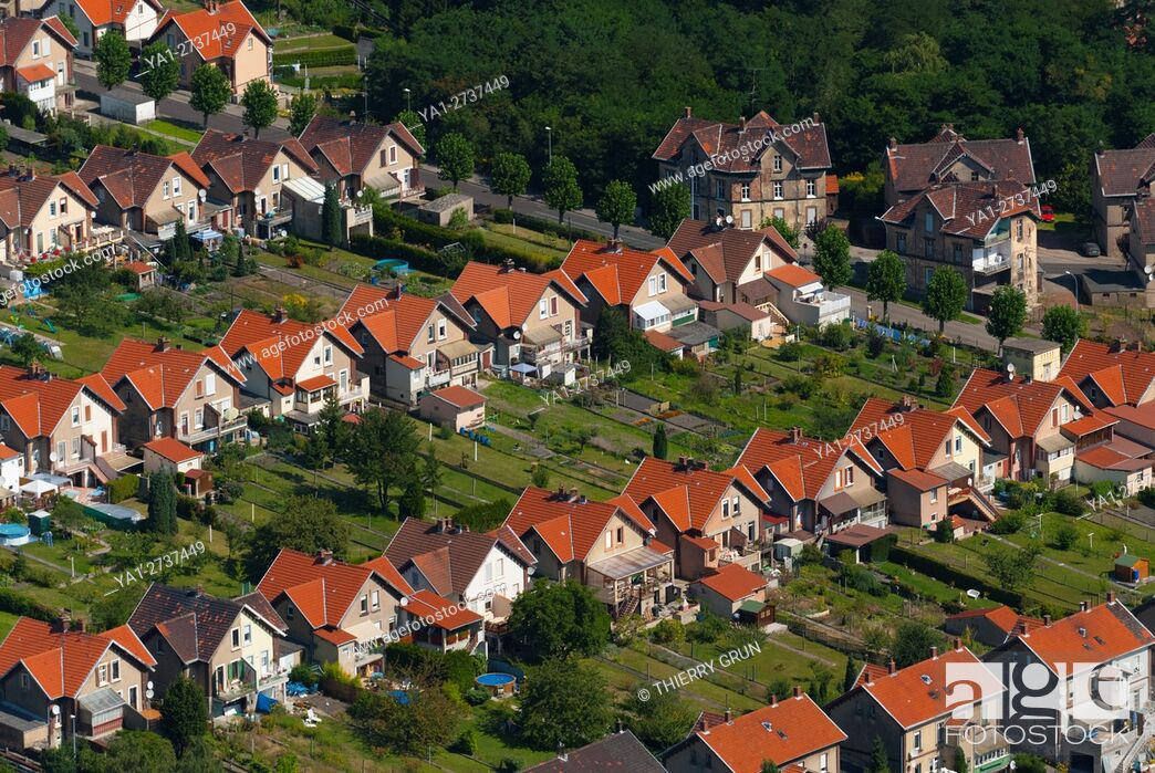 Stock Photo: France, Moselle (57), Freyming Merlebach, coal miners residential aerea called cité Hochwald (aerial view).